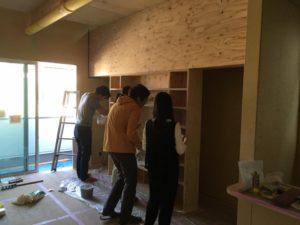 高槻市「T邸新築工事」現在クロス工事が順調に進んでおります