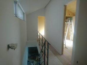 芦屋市H 町新築工事では、仕上げ工事の真っ最中です!